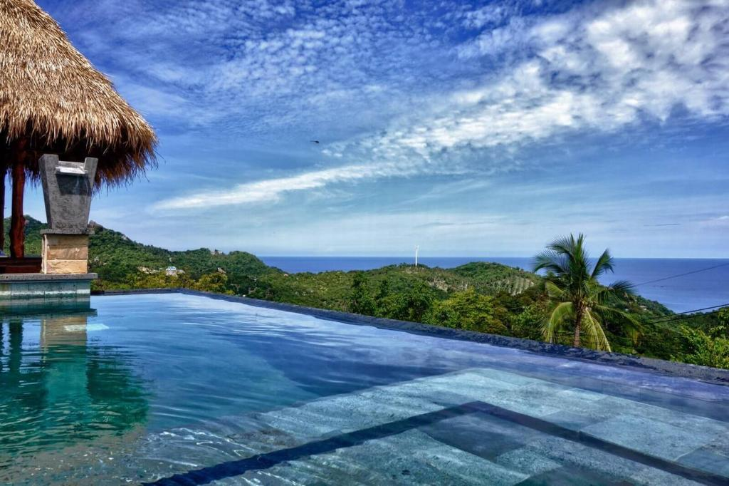 Horizon luxury pool villas koh tao ko tao thailand for Koh tao cabana koi pool villa