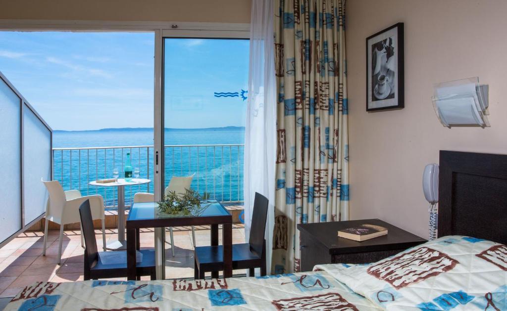Roc Hotel Le Lavandou Updated 2018 Prices
