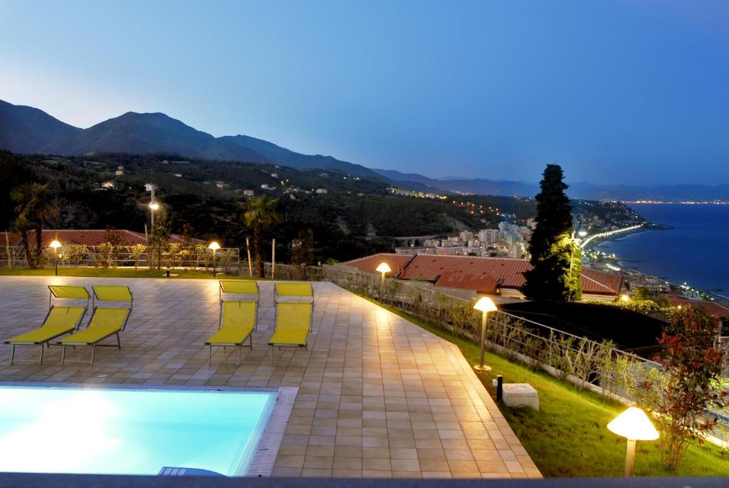 A view of the pool at Residence Villa Beuca or nearby