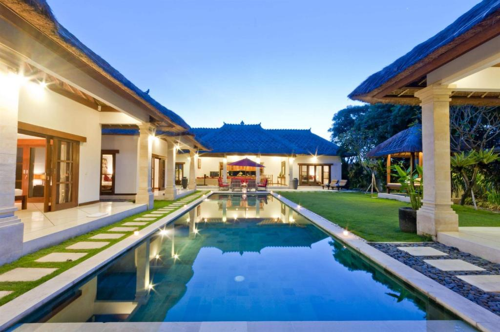 Villa Bugis Drupadi Seminyak Indonesia Booking Impressive 5 Bedroom Villa Seminyak Style