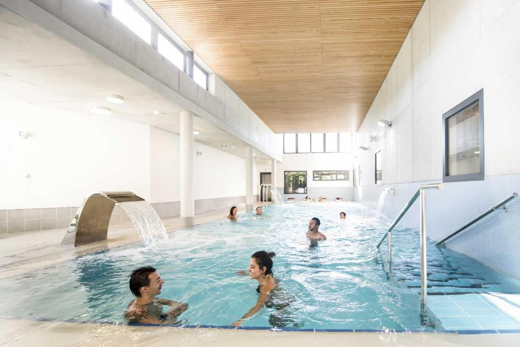 Ferienpark domaine lou capitelle spa frankreich vog for Hotel pralognan la vanoise piscine
