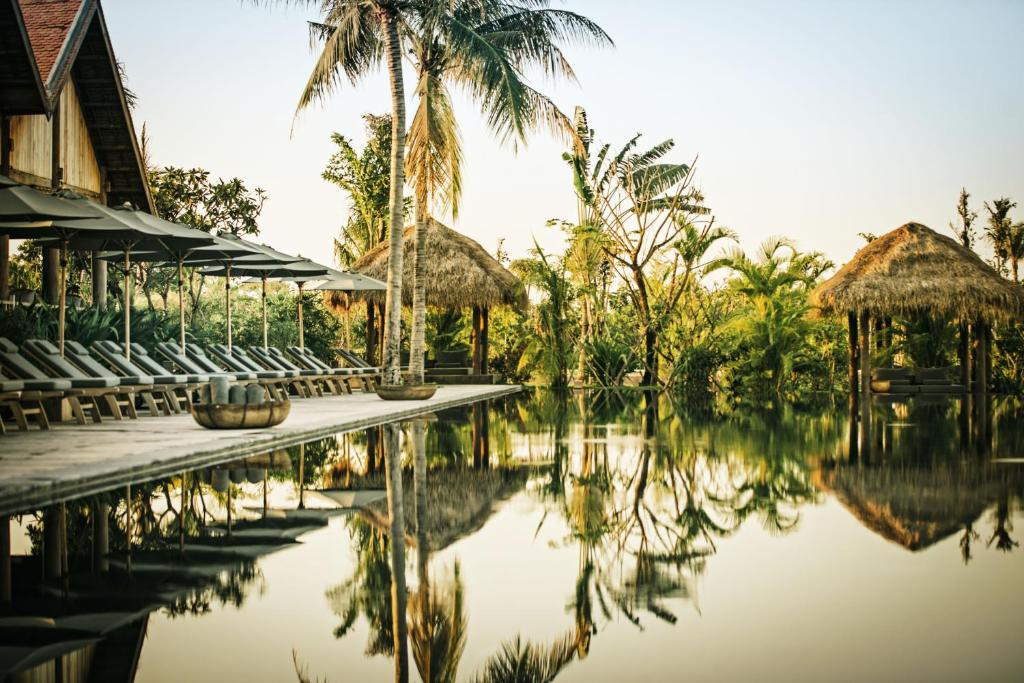 The swimming pool at or near Phum Baitang
