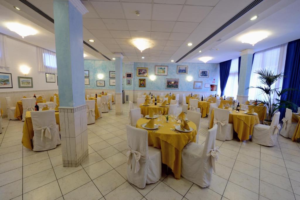 Vasca Da Bagno Ariston Prezzi : Hotel ariston marina di grosseto u prezzi aggiornati per il