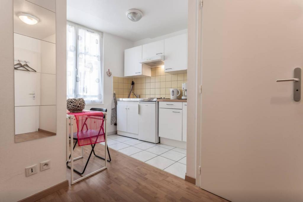 moderne et charmant studio place d austerlitz strasbourg tarifs 2018. Black Bedroom Furniture Sets. Home Design Ideas