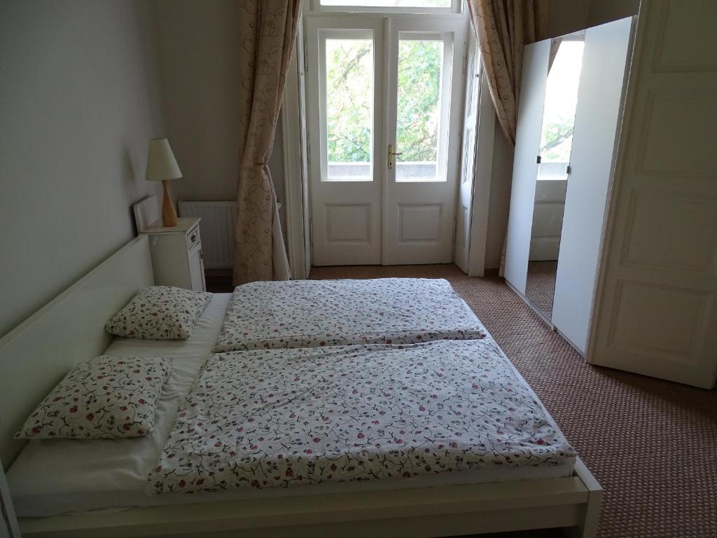 Andrassy Thai Hotel Andrassy 95 Apartments Budapest Hungary Bookingcom