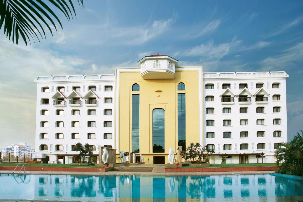 Hotel Vivanta Trivandrum India Bookingcom - Bangalore-taj-hotels-the-happening-landmark-of-the-city