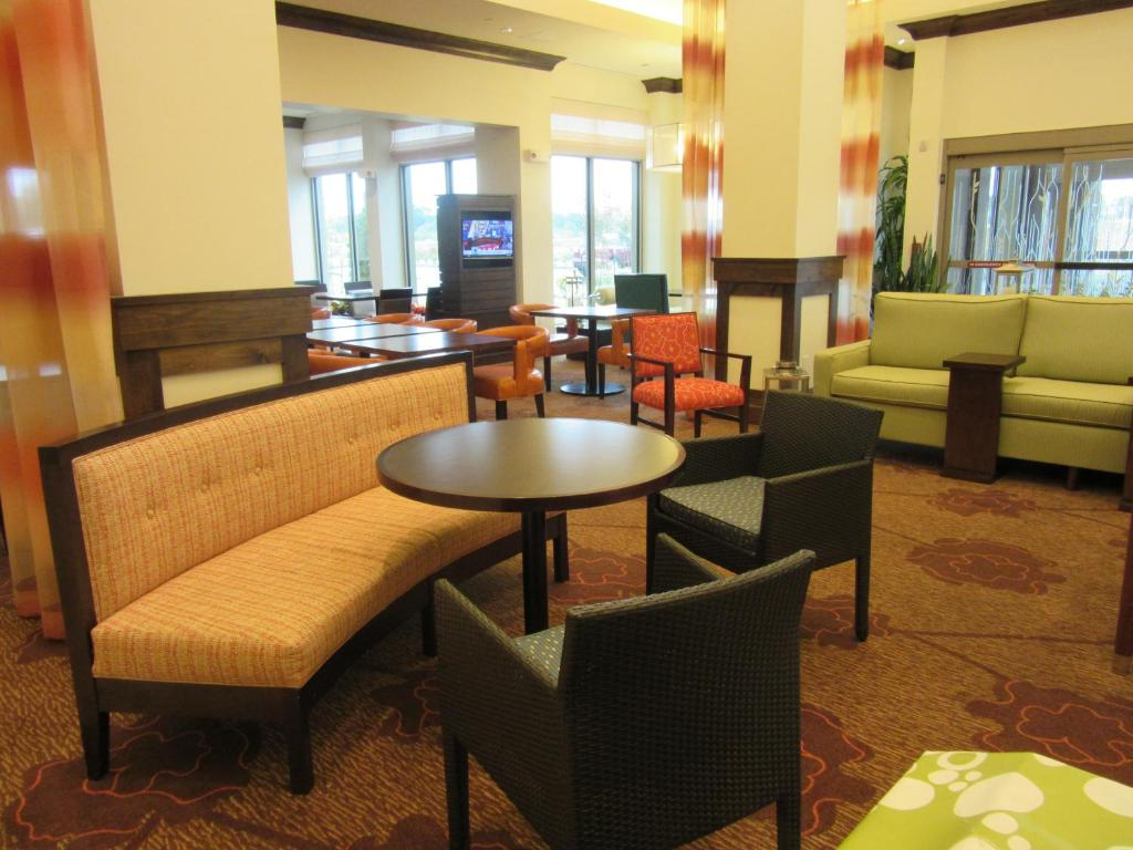 gallery image of this property - Hilton Garden Inn Memphis