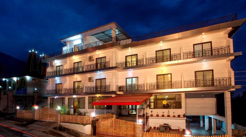 Dharamshala Hotels  Star