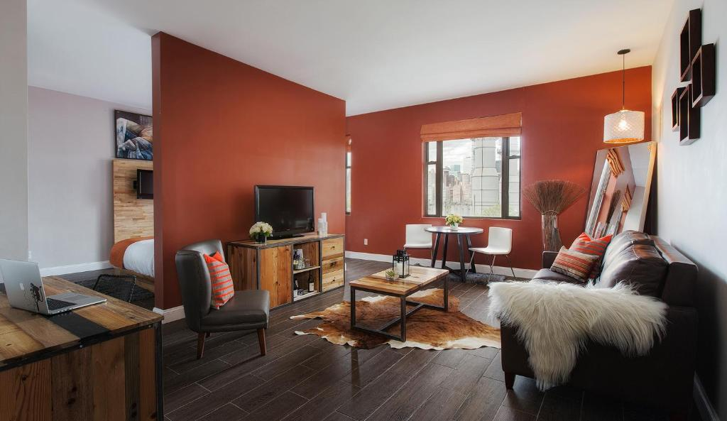 best affordable hotels in NYC ravel hotel