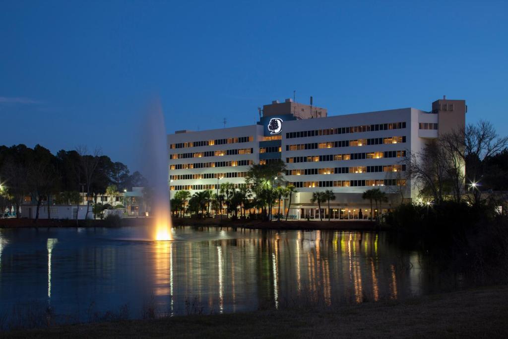 DoubleTree by Hilton Hotel Jac...
