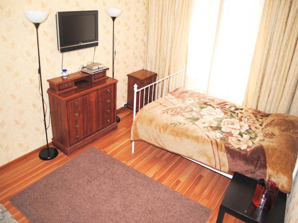 Rent an apartment in cipressa cheap