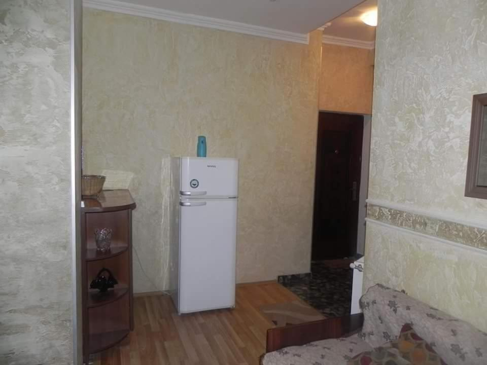 Apartment on 9 April