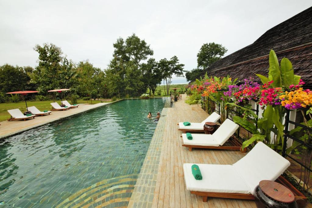 The swimming pool at or near Villa Inle Boutique Resort