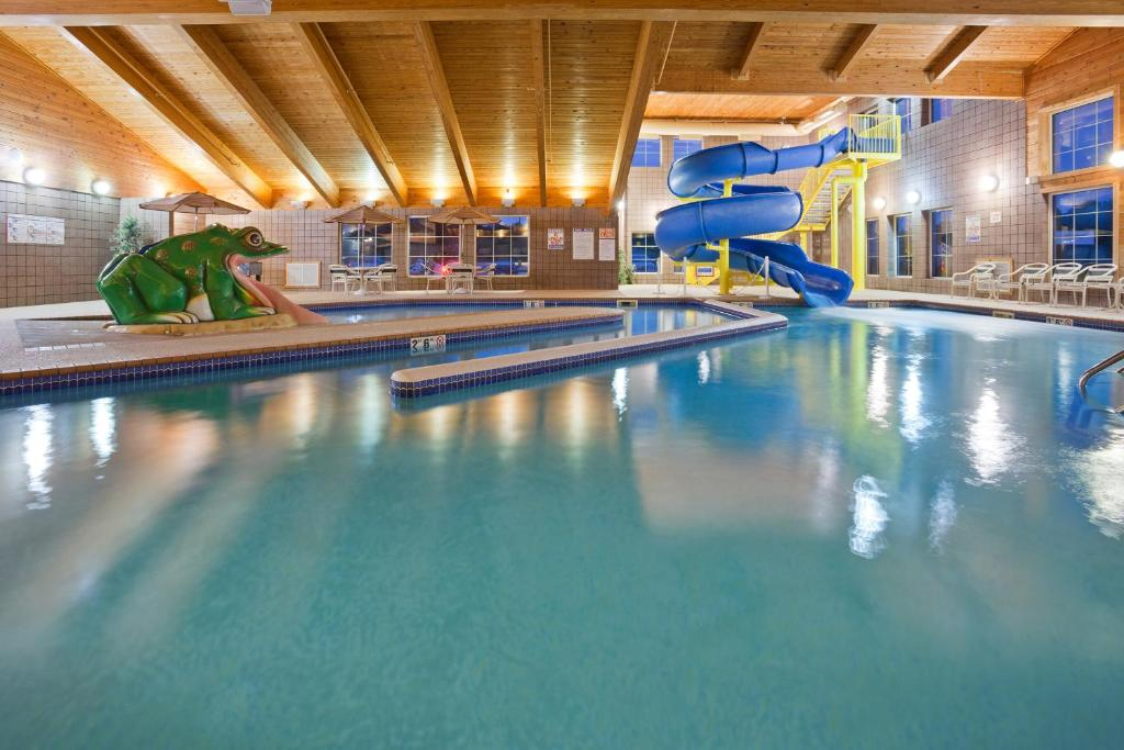 AmericInn Lodge Munising Wetmore MI Bookingcom