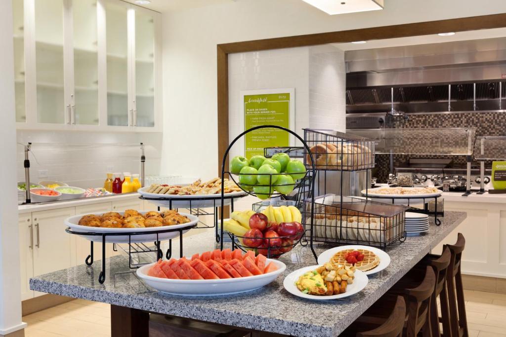 Hilton Garden Inn Boston Logan MA Bookingcom