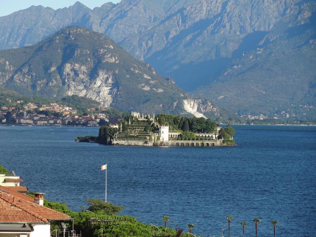Apartment Vista Lago Stresa Italy