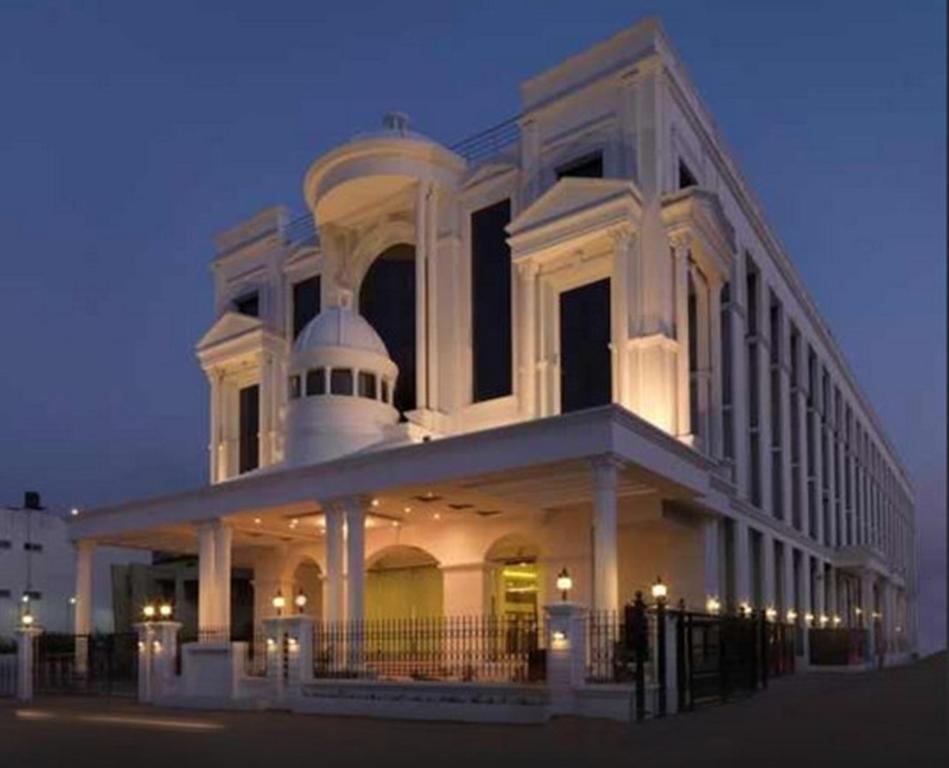 Hotel royal orchid central shimoga india for Hotel royal