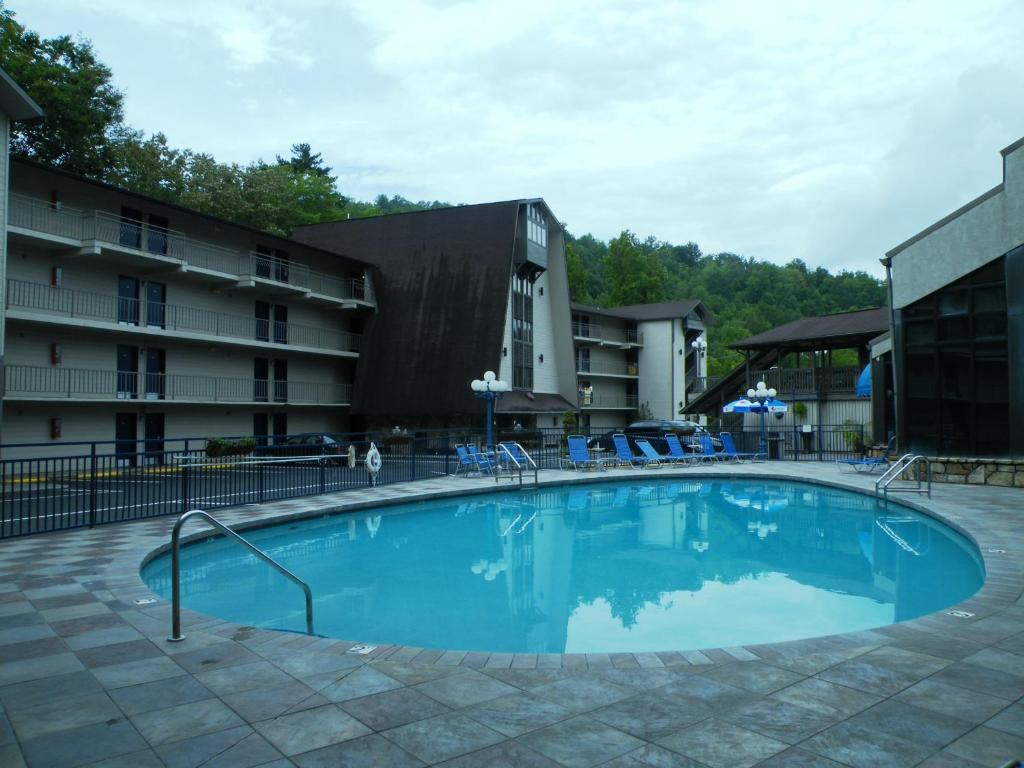 cabin rentals gatlinburg pool with cabins indoor private youtube watch