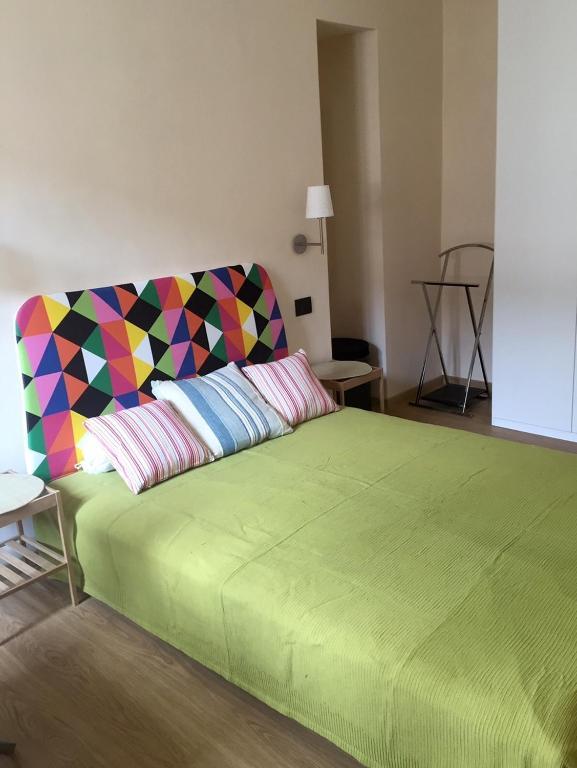 magenta apartment, turin, italy - booking