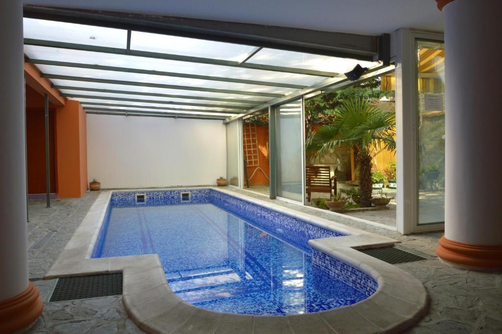 Modern inn boutique hotel mazedonien skopje booking.com