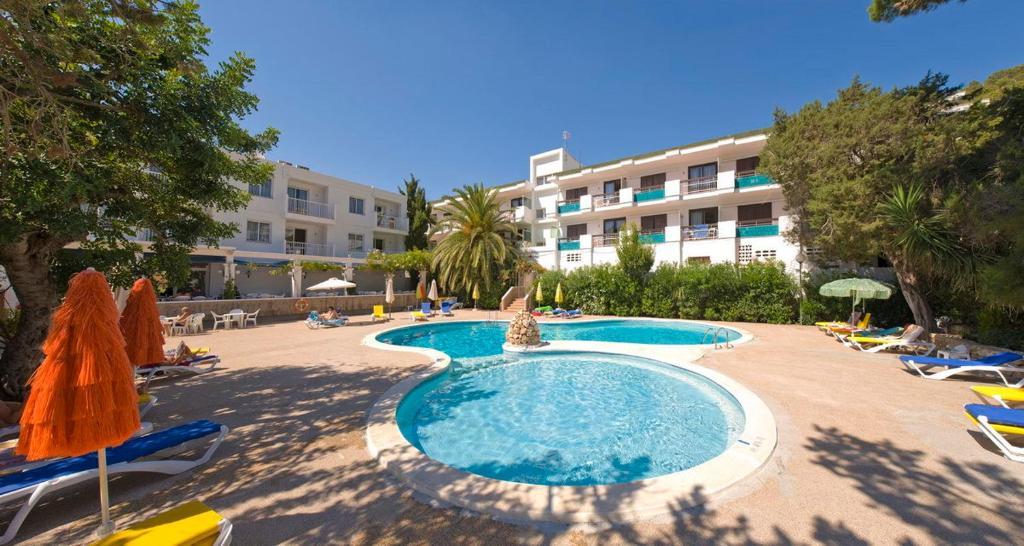 Apartamentos Cala LLonga Playa fotografía