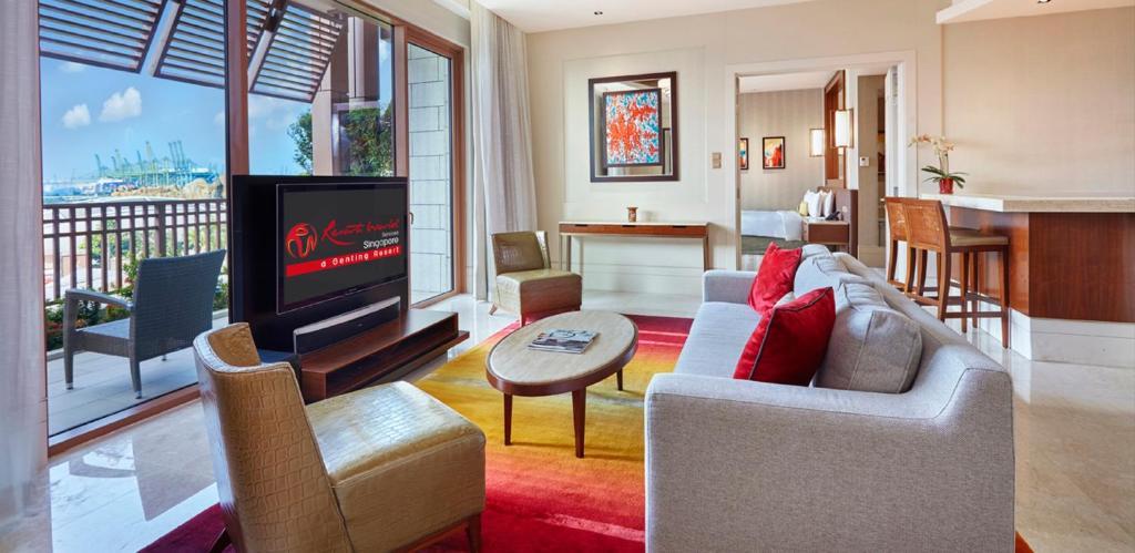 equarius hotel deluxe suites. Equarius Hotel Deluxe Suites R