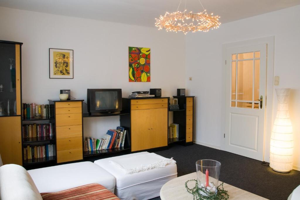 Das wohnzimmer oelde facebook for Markenmobel gunstig