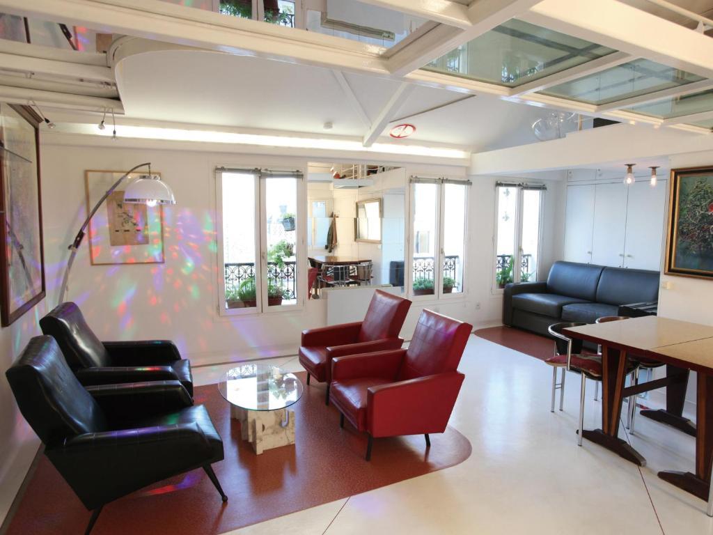 apartment loft beaubourg marais paris france. Black Bedroom Furniture Sets. Home Design Ideas