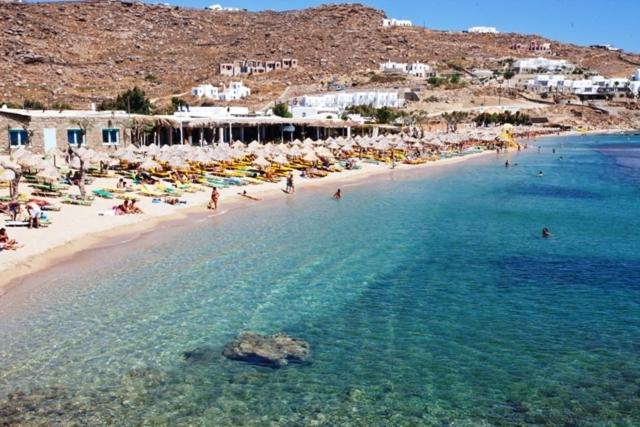 Best Island Beaches For Partying Mykonos St Barts: Paradise Beach Resort, Greece