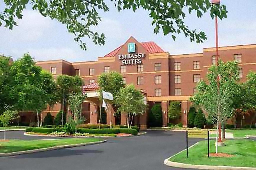 Hotel Embassy Suites Lexington Ky Booking Com