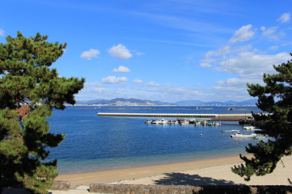 Miyajima Seaside Hotel Japan Bookingcom - Japan map bodies of water