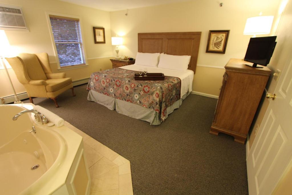 InnSeason Resorts - The Falls at Ogunquit by VRI resorts