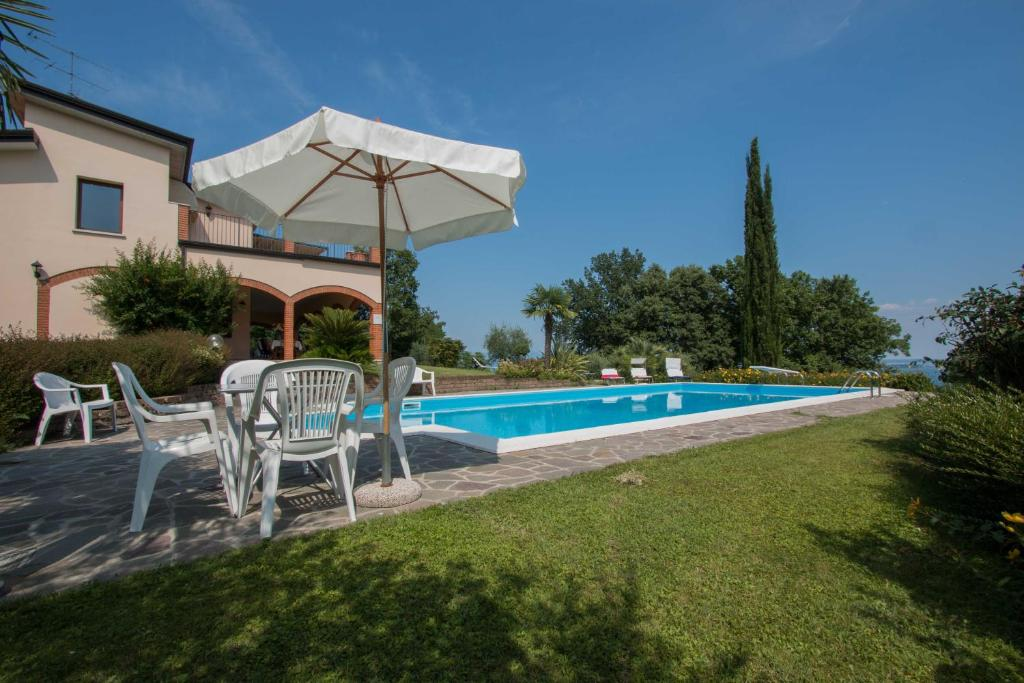 The swimming pool at or near Daller Bianca