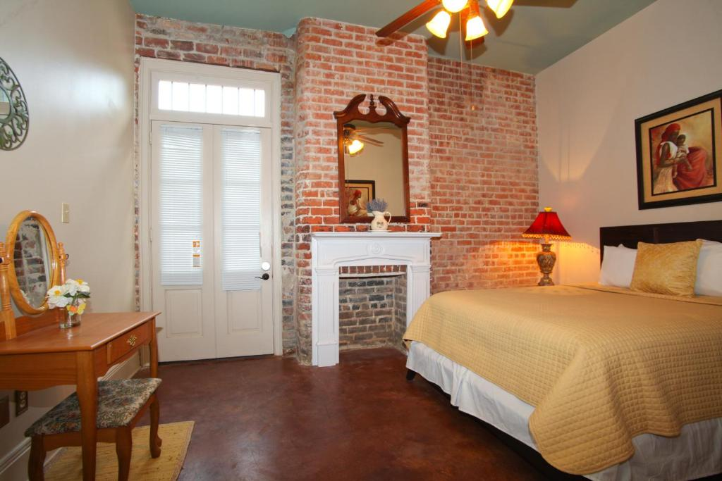 quarter luxury two bedroom suite 1204 new orleans usa booking com two bedroom suite with private bath bed amp breakfasts for rent in new