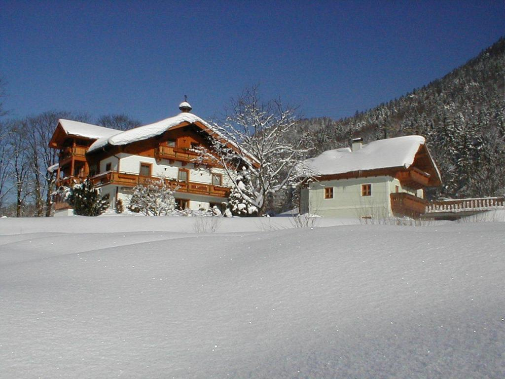 Haus Hirschpoint during the winter