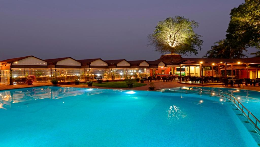 Resort dukes retreat a keys lonavala india for Resorts in khandala with swimming pool