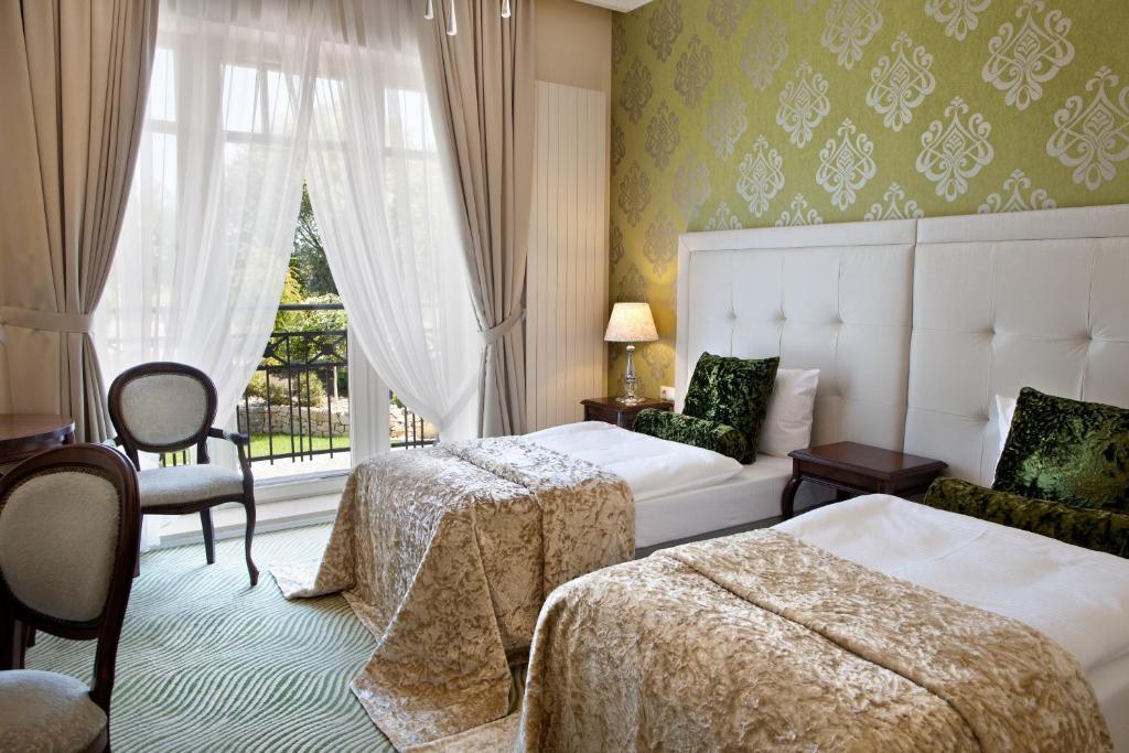 Rezydencja Luxury Hotel Piekary Śląskie Poland Bookingcom - 8 awesome extras in luxury hotel rooms