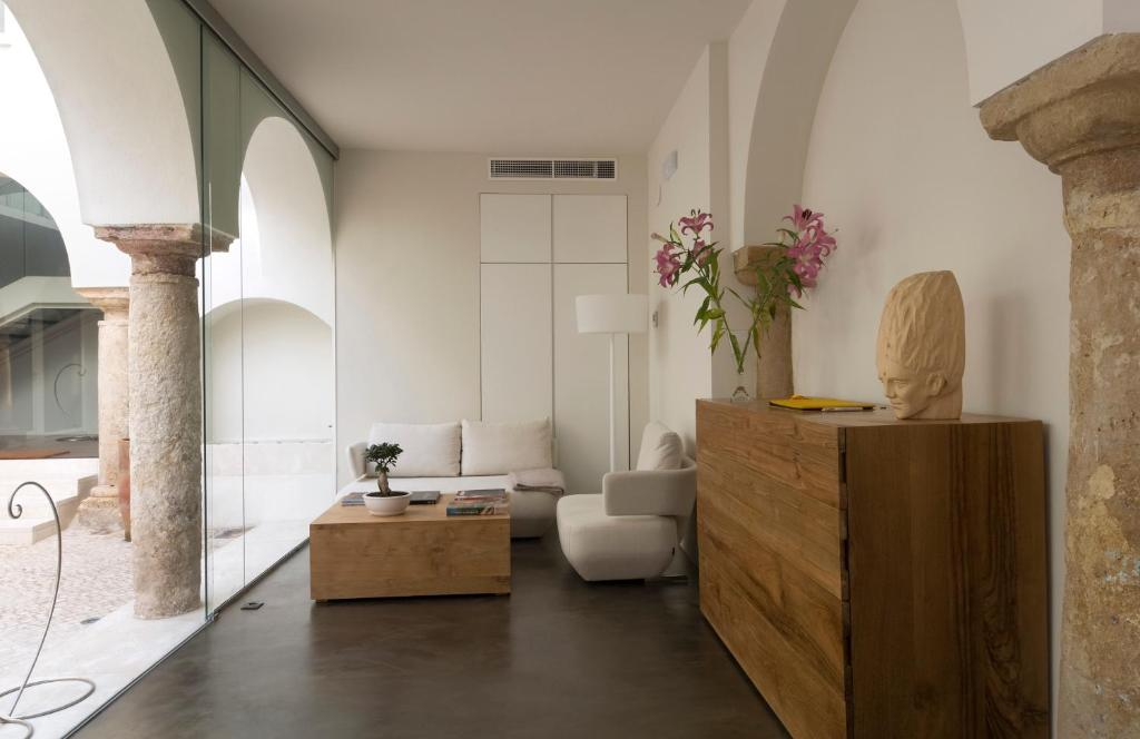 boutique hotels in córdoba  92