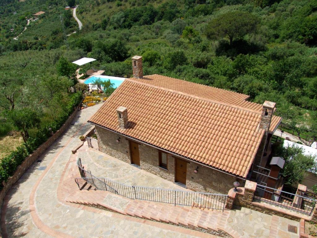 Apartments In Acquavella Campania