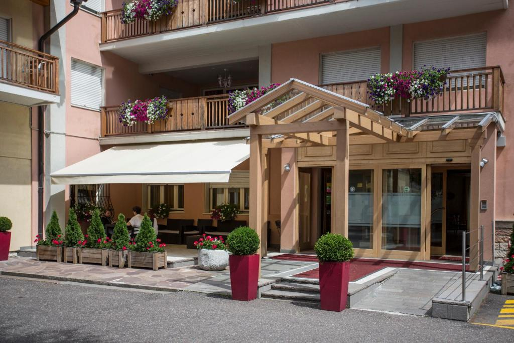Park Hotel Sacro Cuore, Cavalese, Italy - Booking.com