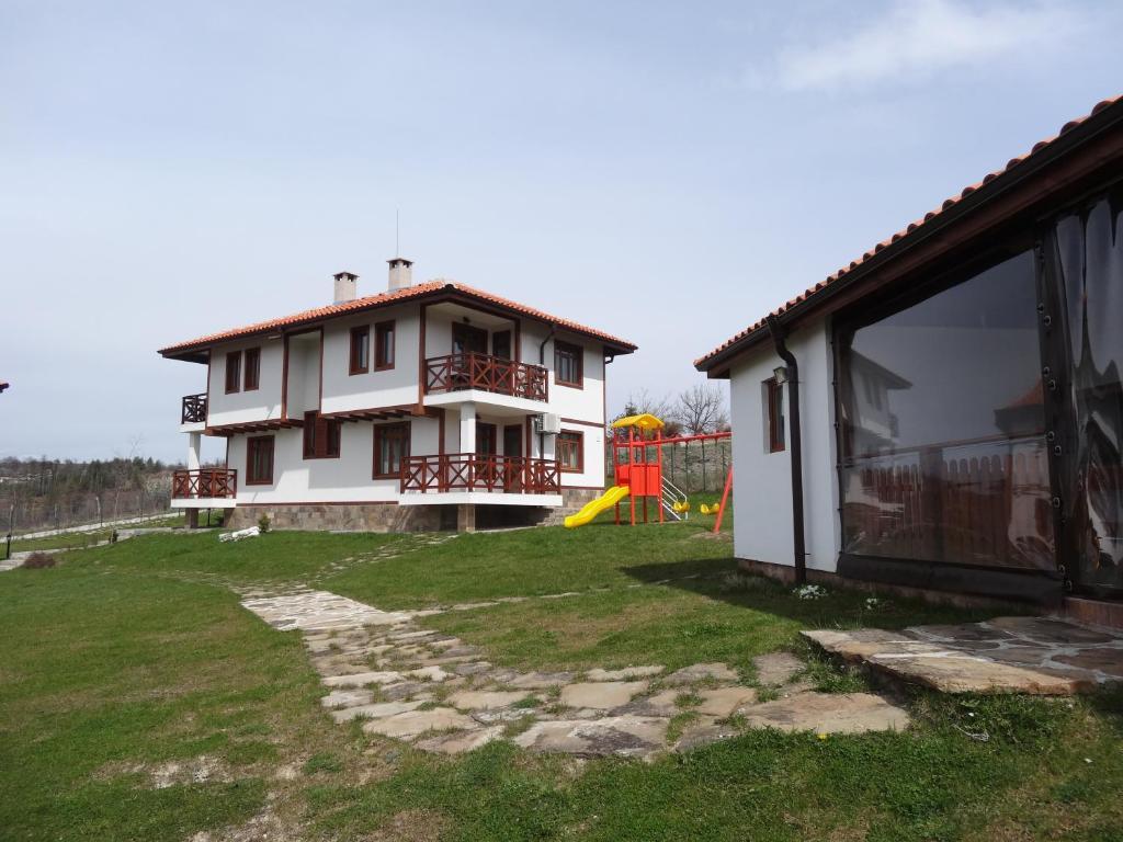 Апартамент Иванини Къщи - Трявна