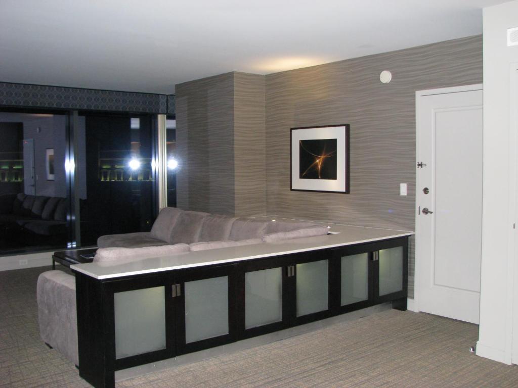 Hotel Suites at Elara Las Vegas Strip  NV   Booking com. Elara 1 Bedroom Suite. Home Design Ideas