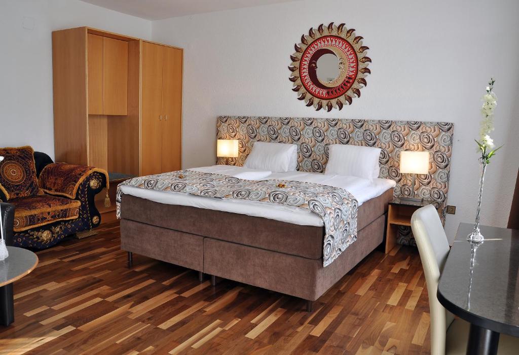 Bett Im Schlafzimmer Design Modern Italienisch Lecomfort , Hotel Torwirt –sterreich Wolfsberg Booking