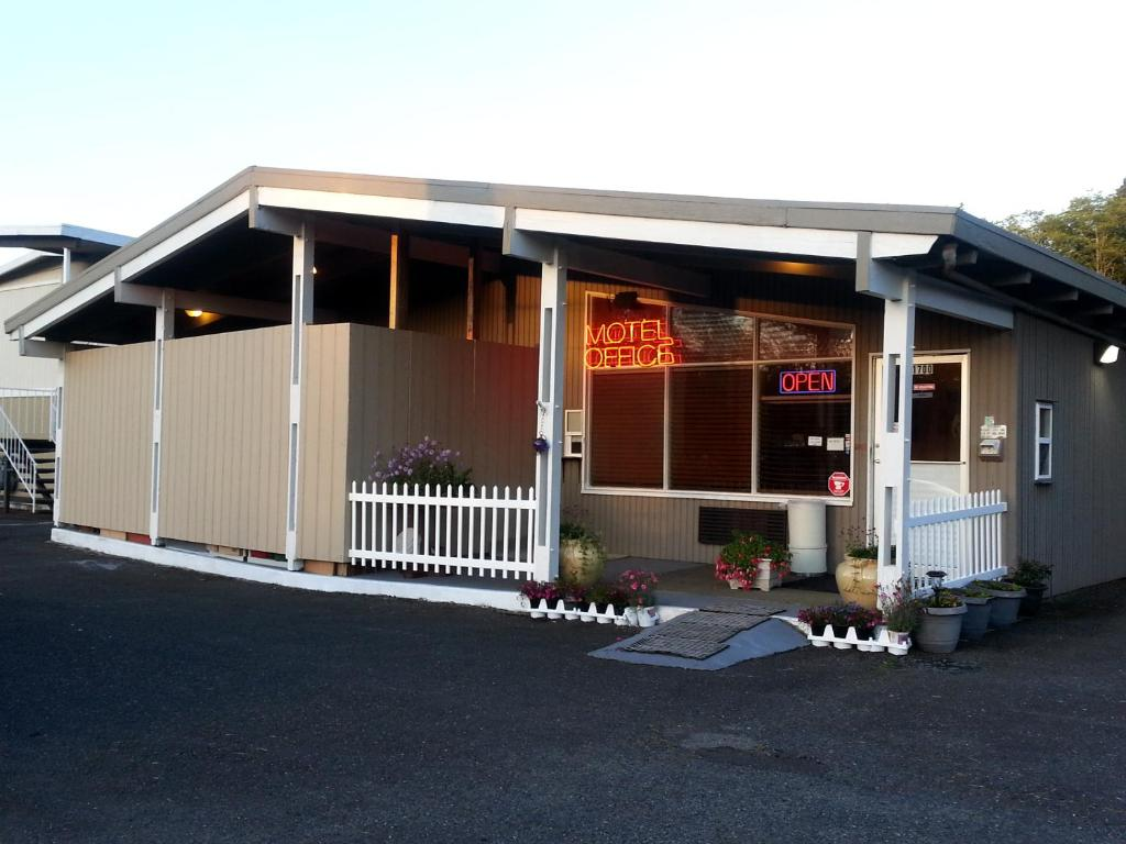 Grays Harbor Inn Suites