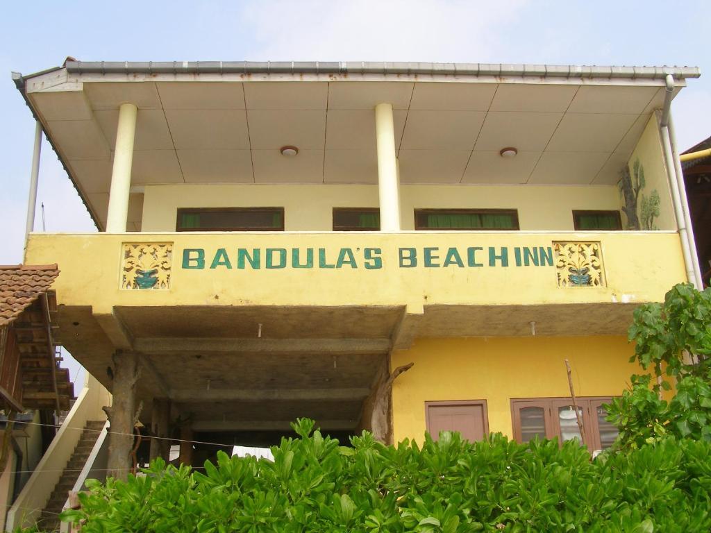 Bandula's Beach Inn