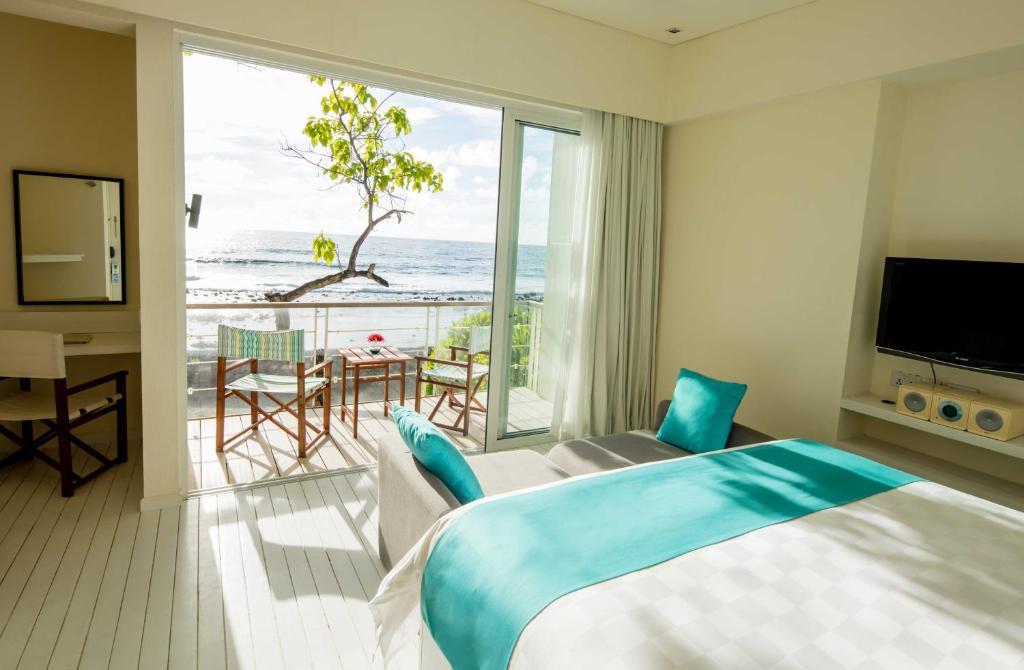 Holiday Inn Resort Kandooma Guraidhoo Maldives