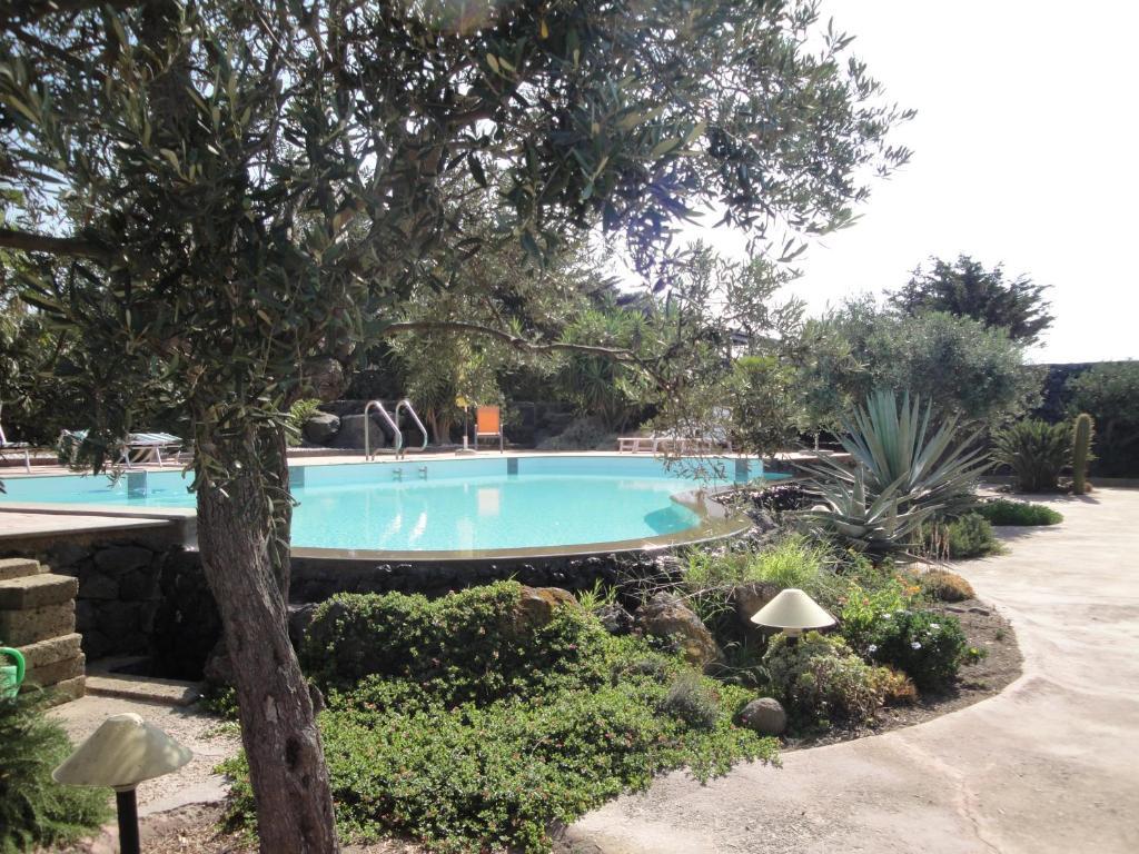 Casa vacanze Dammusi Bernardo (Italia Pantelleria) - Booking.com