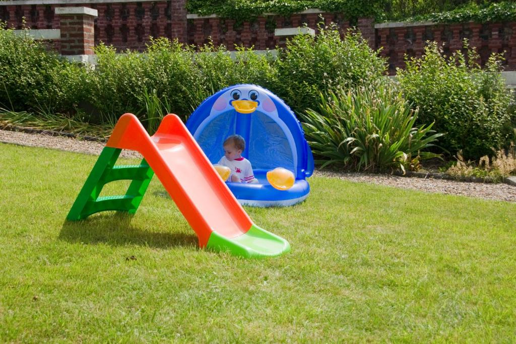 Aire de jeux pour enfants de l'établissement Residence du Mas