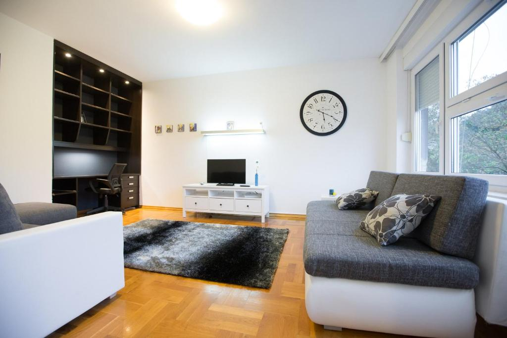 Living Room Zagreb apartment britanac, zagreb, croatia - booking