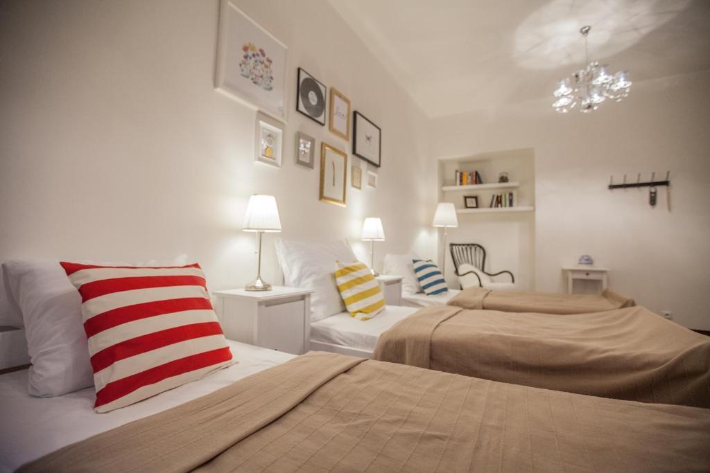 Des chambres agréables au Bed & Books Art hotel à Prague.